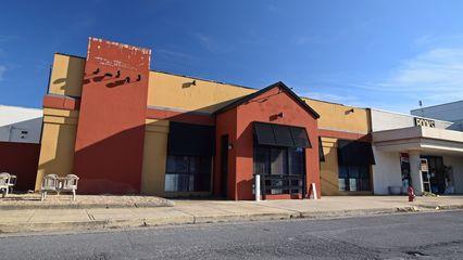 Exterior facade for the former Boston Beanery restaurant.