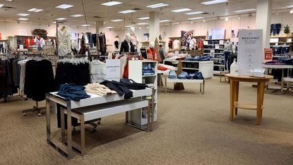 Maurices, which came to Staunton Mall in the mid 1990s, was one of only two traditional mall stores remaining at the time of our visit.