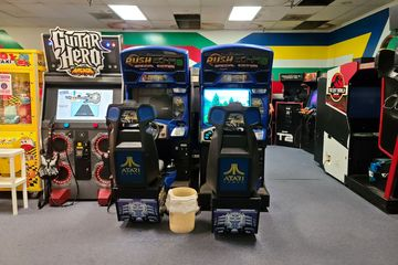 Video Zone was a classic video arcade located across from the movie theater that opened in 1994. Sadly, the owners of Video Zone opted to close down and sell all of the games rather than relocate when the mall closed.