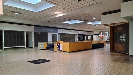 The beginning of the Belk wing, built as an expansion in the late 1980s during the conversion to Staunton Mall. Architecturally, the Belk wing is much more spacious than the original part of the mall, having a wider corridor than the part that was originally part of Staunton Plaza.