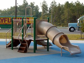 A new feature - a playground! I'd never seen a playground for children at a rest area before. Not a bad idea, either.