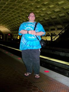Leaving Rosslyn, we headed back to my apartment. Here, Katie and I photographed each other while waiting for the train at Metro Center.