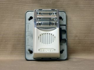 Gentex GEC24-75WW, back plate with horn/strobe attached