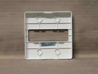 Wheelock RSS-24MCW-DW, faceplate back