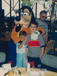 Along with my cousin Mike, I also got to say hello to Goofy.