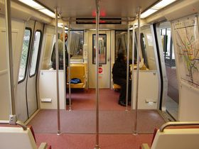 Windscreens: 2000 and 3000-Series cars have only one windscreen next to the end doors, and have no seats next to these doors.  The center doors have two windscreens each.