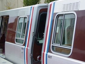 Cab windows: 6000-Series have only one horizontal division on the cab windows, near the bottom of the window.