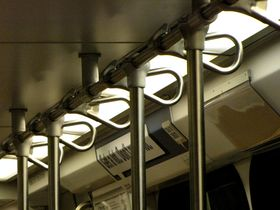 Ceiling handles: The 6000-Series is the only car type to have spring-loaded handles mounted on the ceiling handrail.