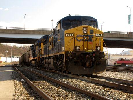 CSX locomotive 578, idle on the track.