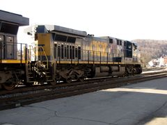 Side and rear view of CSX locomotive 578.