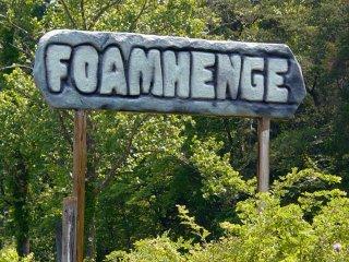Foamhenge roadside sign