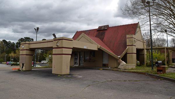 Former Howard Johnson's motor lodge in Williamsburg, Virginia, undergoing demolition.