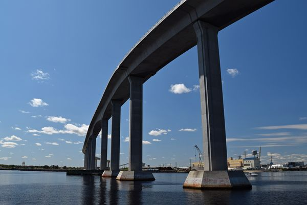 South Norfolk Jordan Bridge, viewed fromthe Elizabeth River Boat Landing Park.