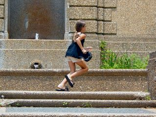 While I was working on the lower level, a small girl kept running back and forth across the sidewalk past the top of the fountain. It must be a full-time job keeping up with her.
