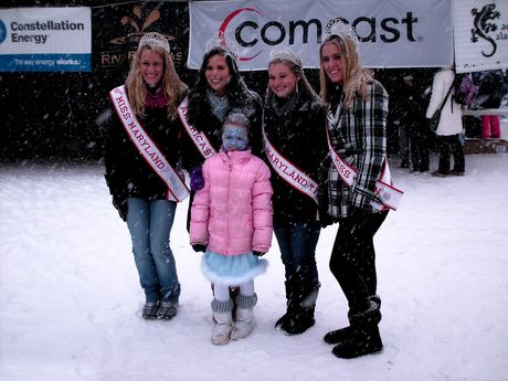 Miss Maryland, America's Miss, America's Miss Teen, and Miss Maryland Teen pose for photos with Little Miss Polar Bear Plunge.