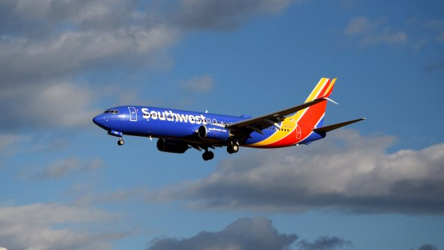 N8688J, a Boeing 737-8H4 operated by Southwest Airlines