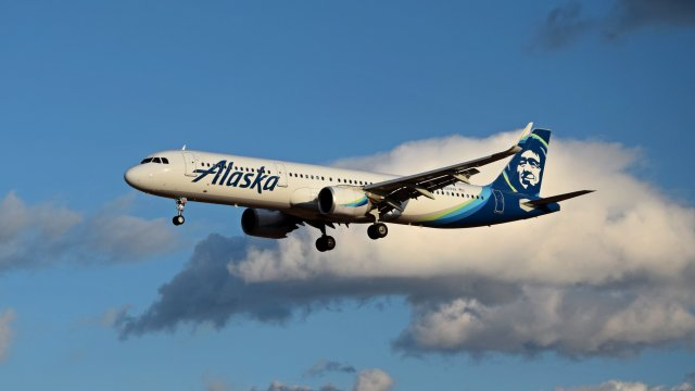N929VA, an Airbus A321-253N operated by Alaska Airlines