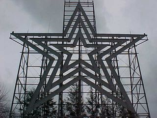 Now that the fog is gone, you can really see the star in all of its 10,000 pounds.