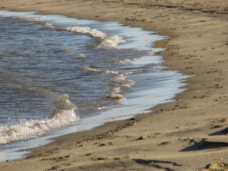 Waves coming on shore at East Beach.