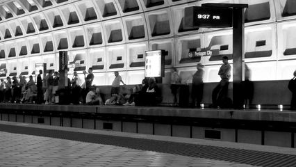 Later on in the evening, the inbound platform at Pentagon City station is filled with people. By comparison, the outbound platform was deserted.