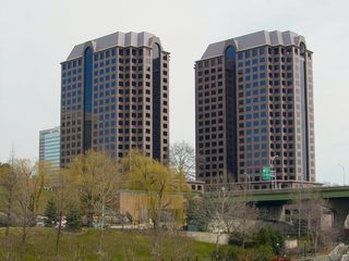 As mentioned, one of the more notable features of the Richmond skyline is the Riverfront Plaza twin towers. These two postmodern skyscrapers were built in the late 1980s, and opened in 1990, providing almost one million square feet of office space.