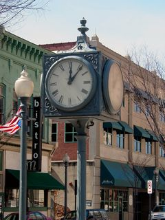 I mentioned earlier how downtown Roanoke had charm. This charm comes from features such as this four-sided clock, as well as a number of other features that I'm about to get into.